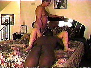 Amateur Frau teilen mit einem schwarzen Kerl