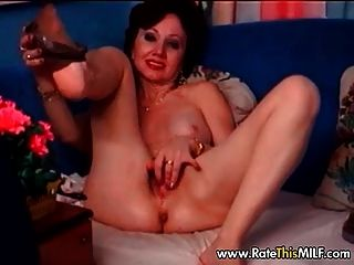 behaarte Amateur Oma Milf