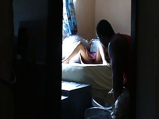 Frau Junge im Haus (versteckt kann) verführen