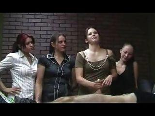ruckelt Büro Mädchen - cfnm Wichsen