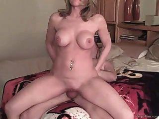 hausgemachte Amateur-Mädchen mit hugh natürlichen Titten