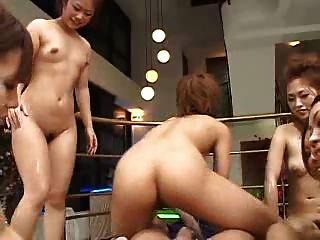 japanisch 6 Mädchen 1 lucky guy pov (unzensierte)