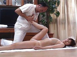 geil japanische Frauen massiert und dann zu Hause 4 gefickt - cm