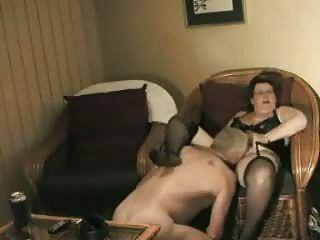 hausgemachte Oma macht sich bereit Opa ficken