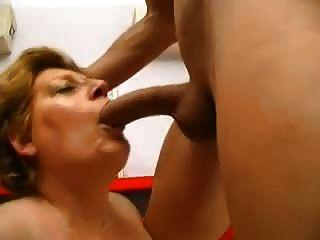 junge fit gut fickt eine sexy bbw Oma
