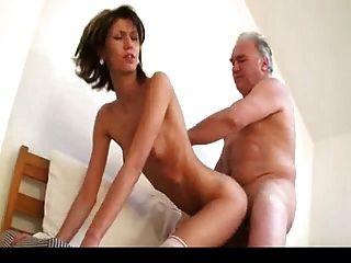 alter Mann fickt junges Mädchen 1