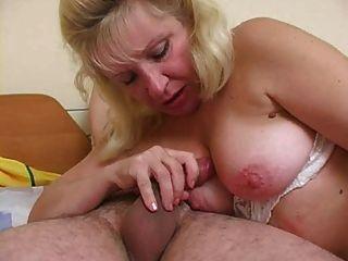 Mutter verführt Jungen