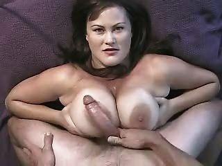 riesige tittenfick und massive Gesichts