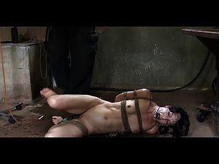 bdsm Slave elise Gräber pervertieren Einlauf Strafe und im Freien