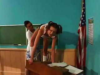 Student fickt Lehrer mit strapon