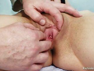 adriana Besuch Gyno Arzt für echte Pussy Gyno Prüfung