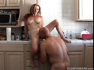 sexy reife Amateur liebt es zu ficken