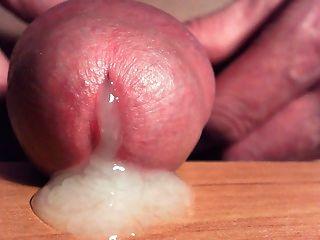 Spermien, die sehr eng ...... aus meinem Schwanz kommt
