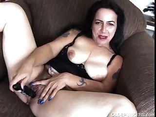 reifen Amateur frigs ihre saftige Pussy, bis sie Cums