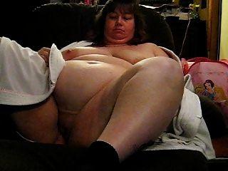 wanda zeigt ihre riesigen Titten und Fotze aus