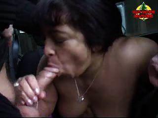 hässliche alte Frauen im Freien gefickt