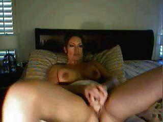 sexy latina in Webcam zeigen