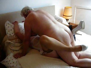 mein Herr, fickt meine Frau macht ihren Orgasmus und nass.