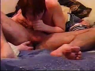 fingern seinen Arsch und seinen Schwanz saugen