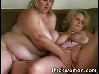 zwei lesbische Pralle