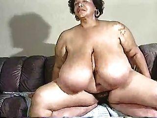 haarige reife riesigen Titten