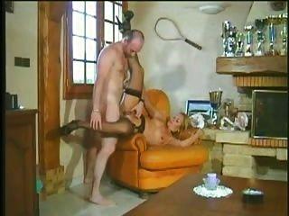 Milf heiß und geil liebt Duro harten langen Schwanz anal assfuck troia bello pro bene in fondo al Culo e sp