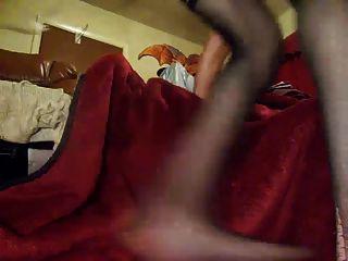 Sissy Boy anal Schlampe fickt seinen Esel mit riesigen Spielzeug