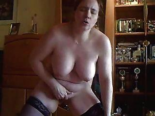 meine geile Frau für Sie vor der cam masturbieren