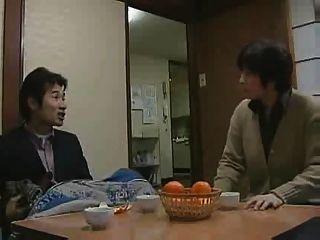 japanes Mädchen mit ihrem Vater