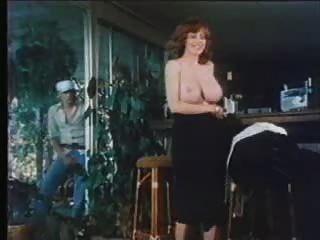 f60 große Brüste retro Babe masturbieren