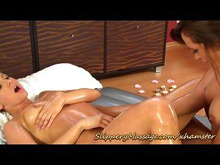 sexy rutschig nuru Massage mit Happy End