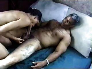 schwarz älteren papi fickt schwarzen Jungen cremige Gesicht