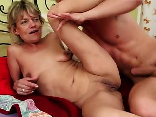 blonde Mutter ficken Junge