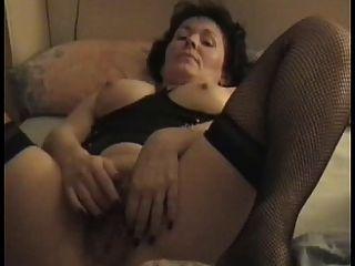 reifen haarig MILF masturbiert für meinen Mann
