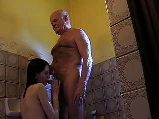 sehr alte Opa mireck und junges Mädchen