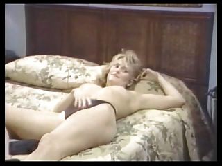 Nina Hartley und alex GRECO Lesbenszene