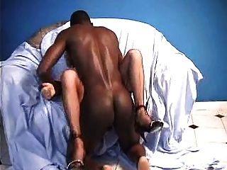 fench Oma und schwarzen Schwanz für anal