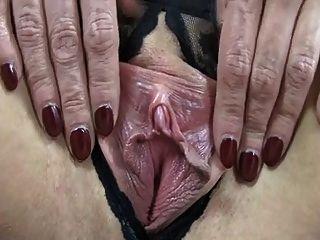 reifen mit saggy Titten ihre sehr großen Brustwarzen