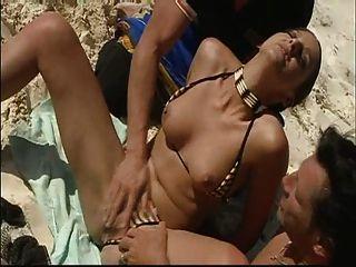 Sommer-Strand Double Penetration Spaß! erinnere mich an die Sonnencreme! Leserate Kommentar zu sehen!