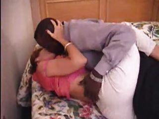 Milf reifen Amateur mom Liebe zu ihrem schwarzen Freund machen