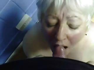 in den Mund meiner alten Tante Cumming !!