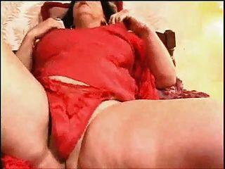 Kinky Granny ihre eigene Orgasmen zu Hause machen