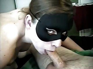 neue Jahre tiefe Kehle mit Maske und Kehle cum