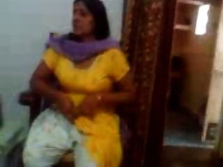indian sex video eines indischen aunty zeigt ihre großen Brüste
