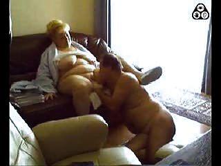 ungarisches Paar vor der Webcam
