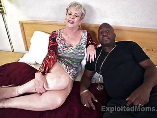 vollbusige Oma in Creampie Video
