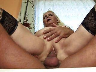 Fett blonde Oma (Deutsch)
