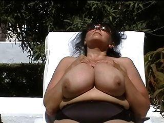 Deutsch bbw-Oma mit großen Titten-im Freien