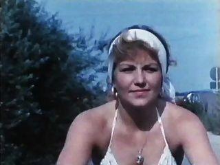 Jahrgang 70s Deutsch - der verbumste Motorrad-Club Jagt geile fuechsin - CC79