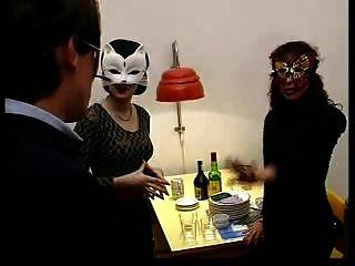heiße Party (festa escaldante). Film + macht aus.